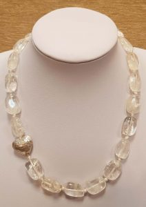 ogrlica od gorskog kristala nautilus nakit