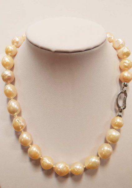 biserna ogrlica nautilus nakit